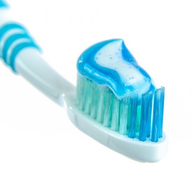 toothpaste-1786388_1280